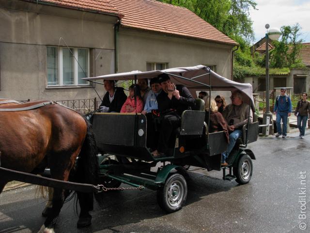Транспорт в замок Карлштейн,Чехия