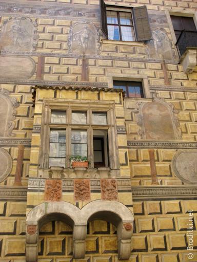 Роспись внутреннего двора замка Чешский Крумлов