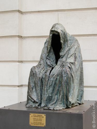 Человек без лица. Необычные скульптуры Праги