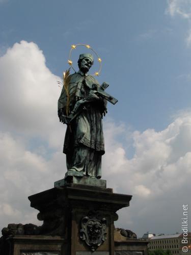 Ян Непомуцкий на Карловом мосту