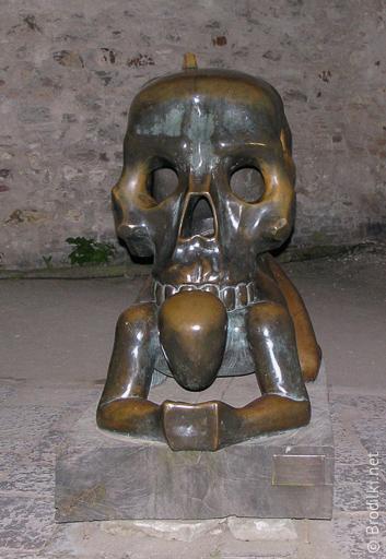 Притча о черепе. Необычные скульптуры Праги