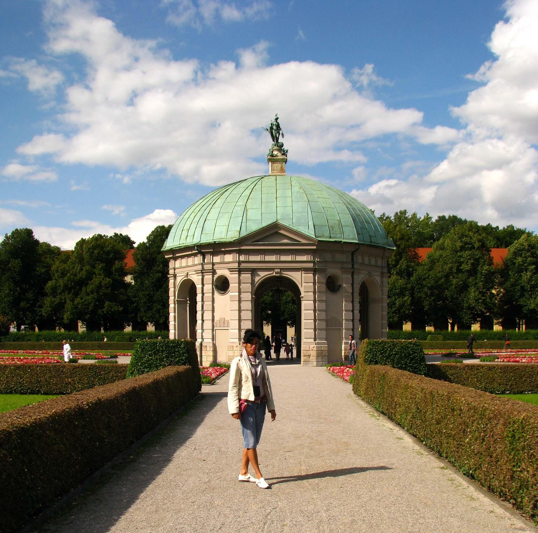 Храм Дианы (Достопримечательности Мюнхена)