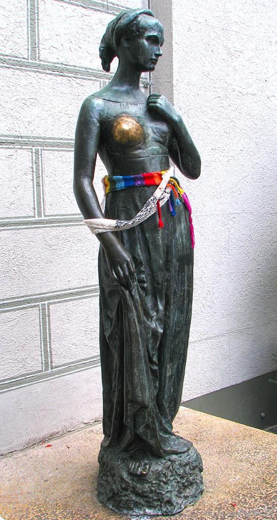 Достопримечательности Мюнхена: памятник Джульетте на Мариенплатц