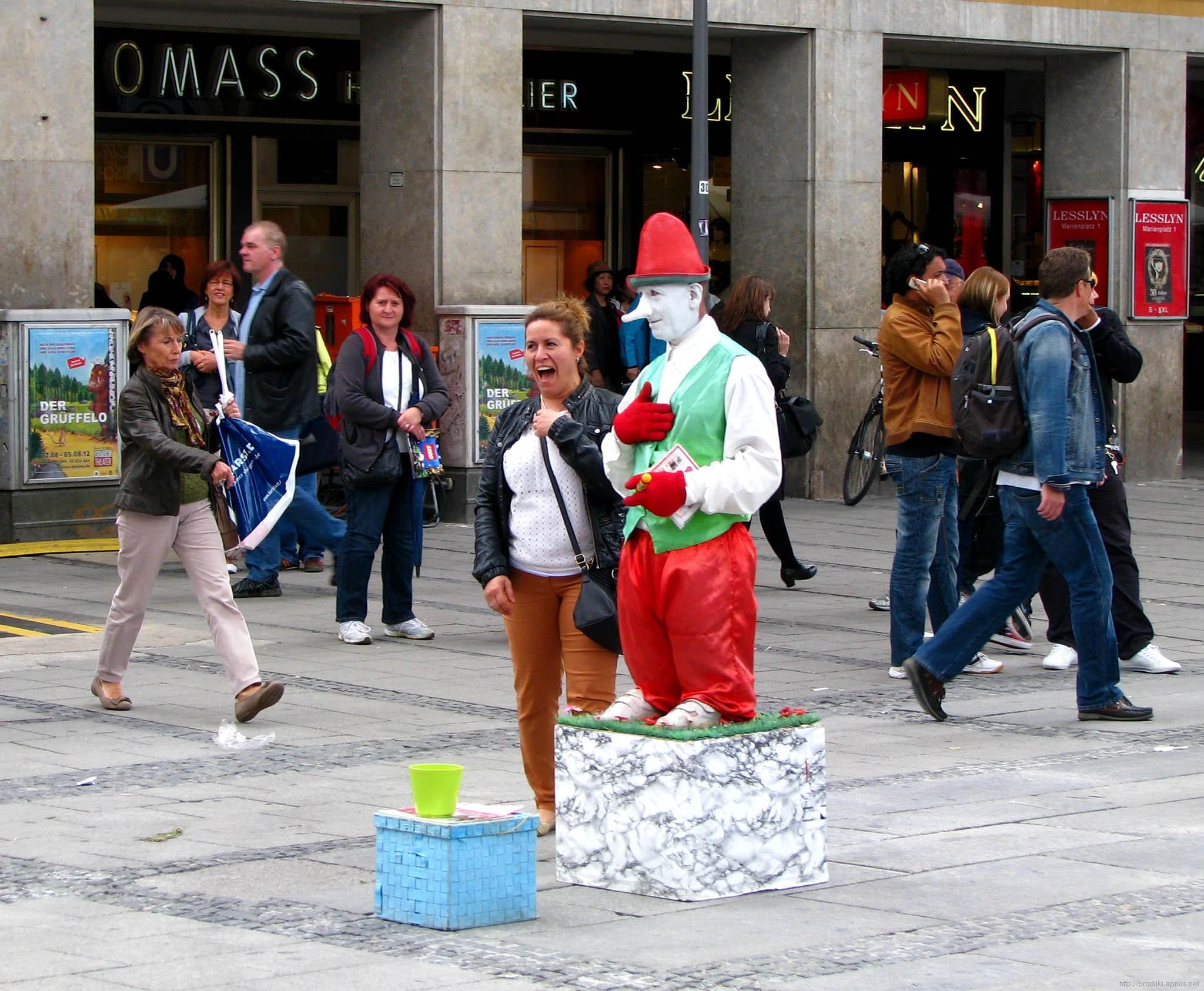 Живая статуя в Мюнхене