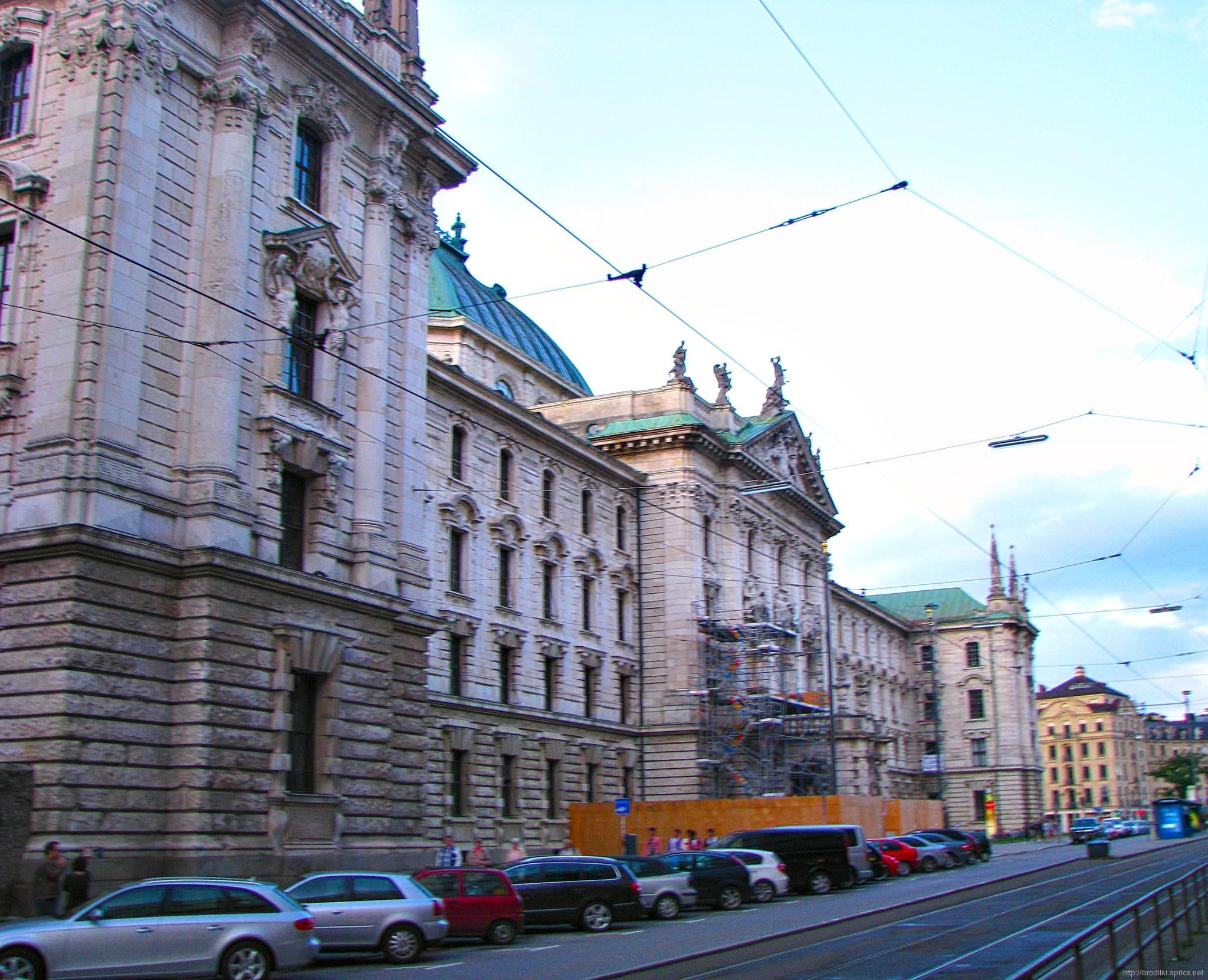 Дворец юстиции (Достопримечательности Мюнхена)
