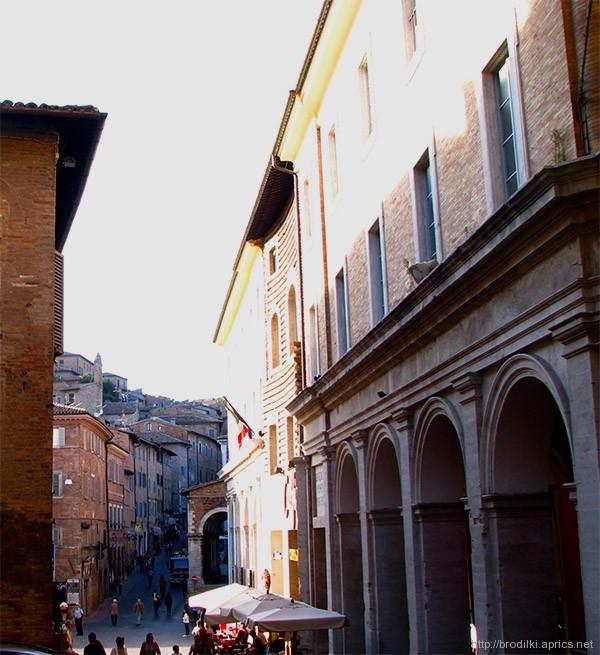 Улица в Урбино