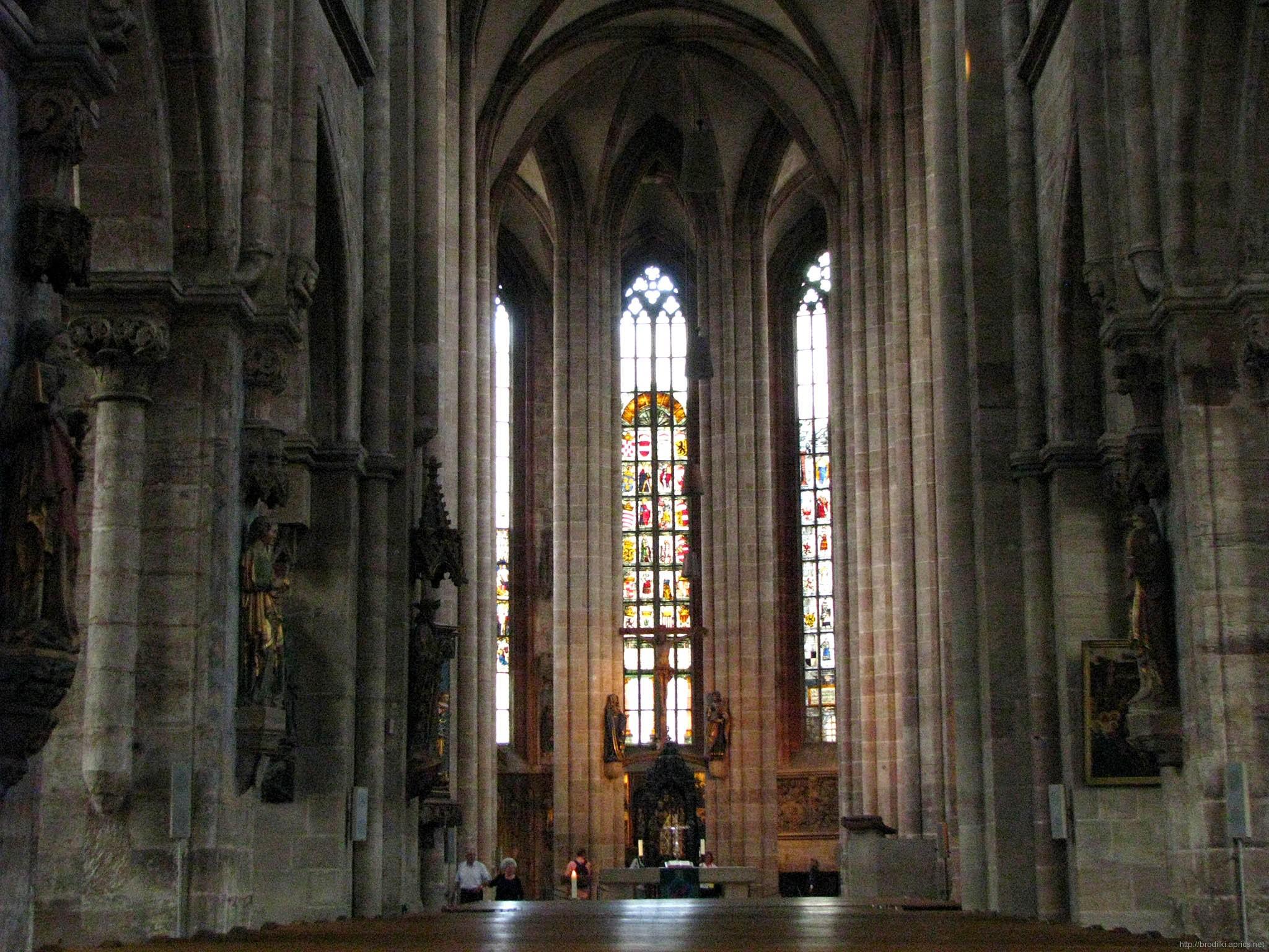 Церковь Святого Себальда (внутри). Достопримечательности Нюрнберга