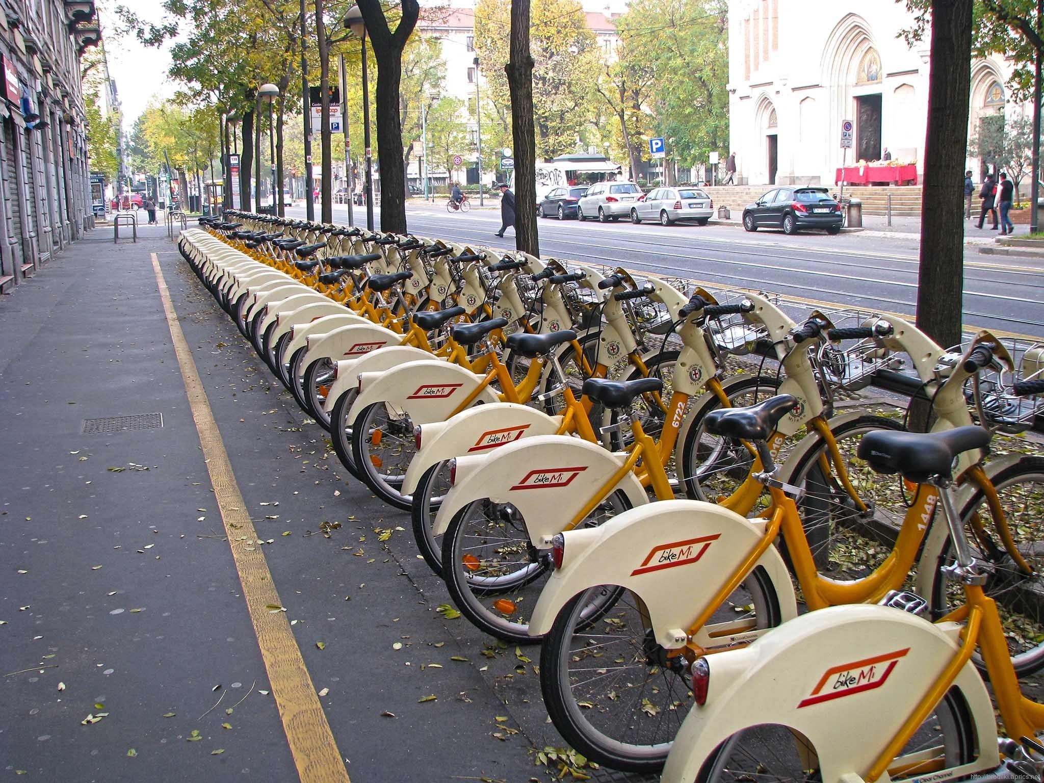 Стоянка велосипедов в Милане