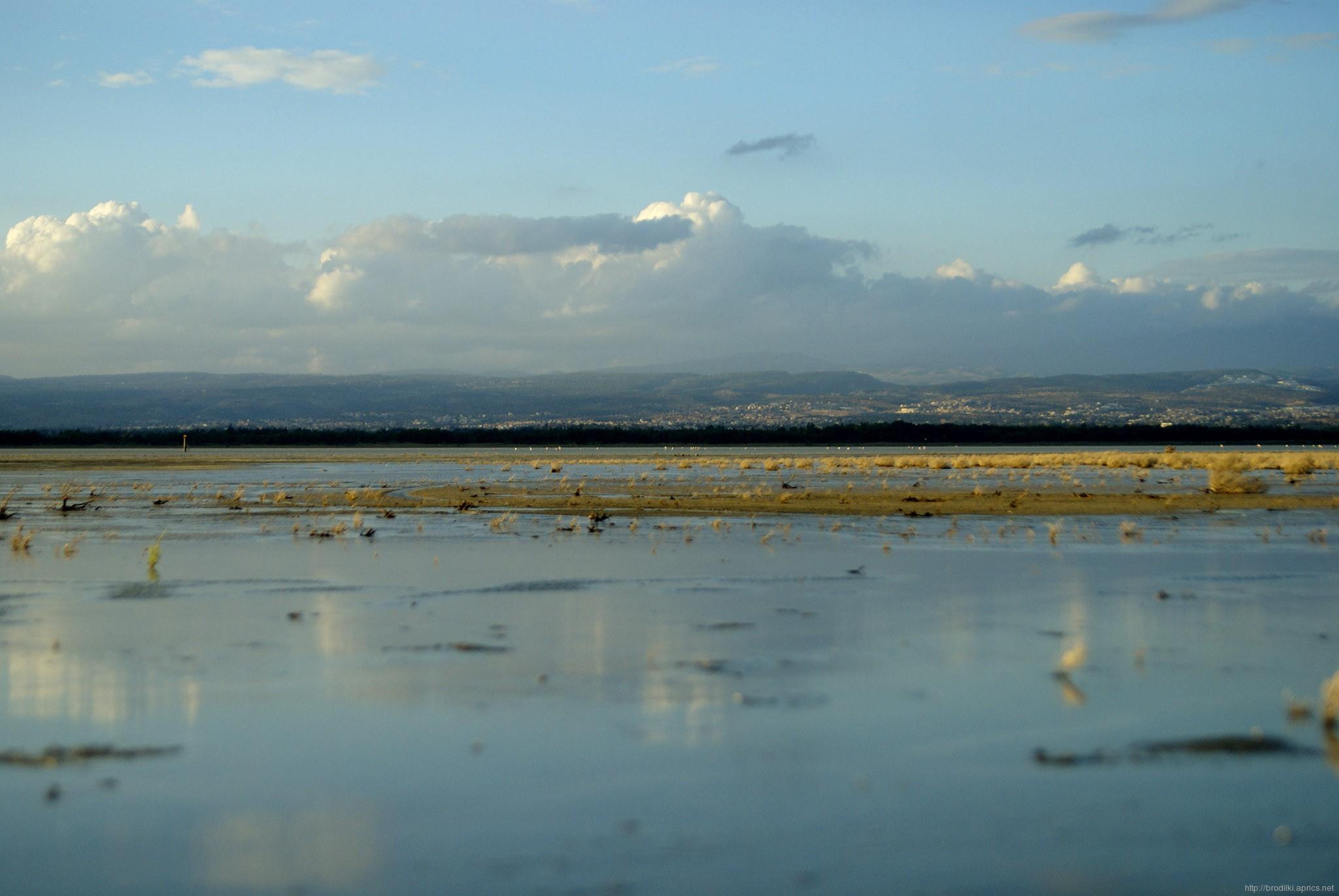 Соленое озеро зимой