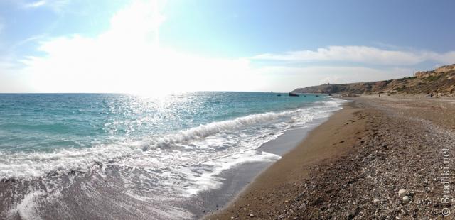 Пляж за камнем Афродиты (в сторону Пафоса)