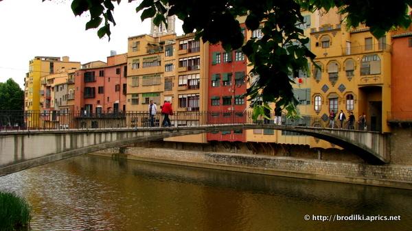 Мост через реку Онар в Жироне